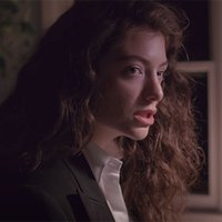 Music Friday: Lorde Channels 'Hunger Games' Heroine in the Gem-Infused 'Yellow Flicker Beat'